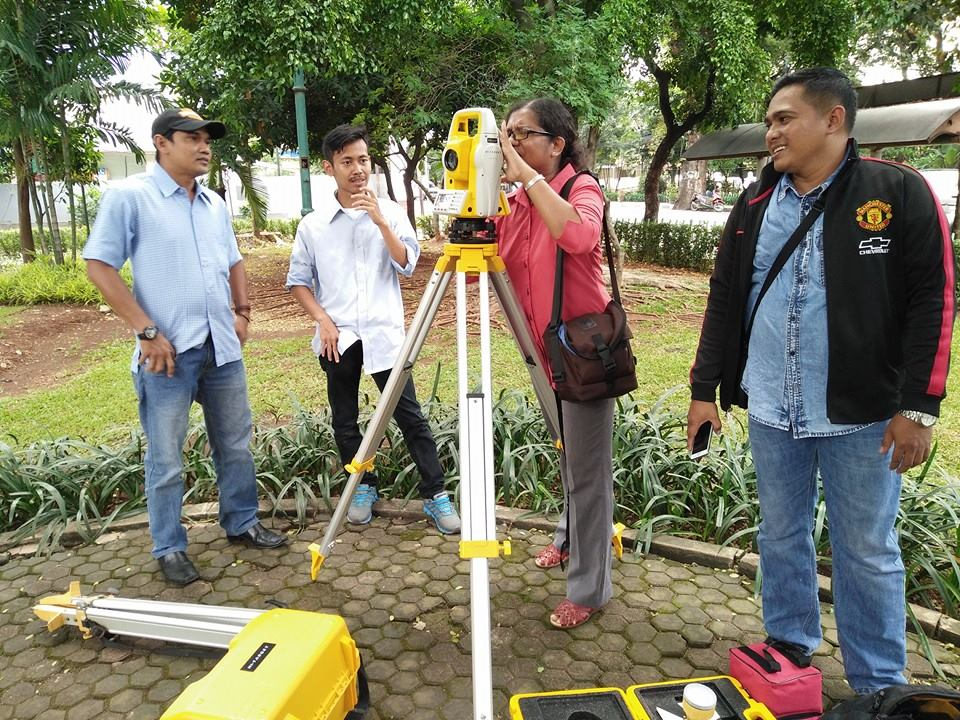 10 Pel Total Station Pemda Merauke April 2016